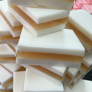 Sweet honey & goats milk soap